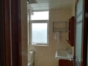 四室两厅丙卫精装修