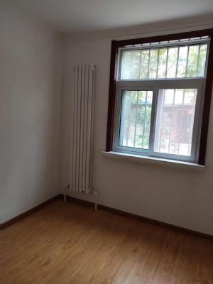 一楼两室两厅,精装未入住