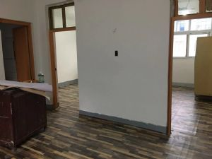 一机厂家属院!78.5平!三室一厅!新装修!四楼!支持贷款!