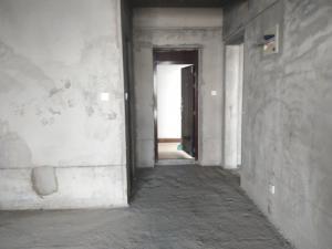 华清文苑一期 三楼 毛坯 两室一厅 有学位