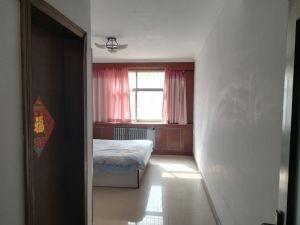 紫东花园~三室朝阳~带车位~带20平地下室~带家具家电