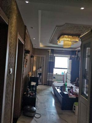 荣域小区精装温馨三室出售,支持贷款